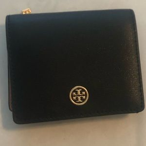 TORY BURCH ROBISON SMALL WALLET